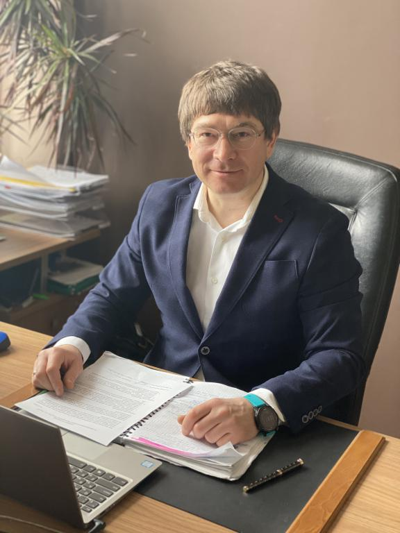 директор МонтажТоргСтрой